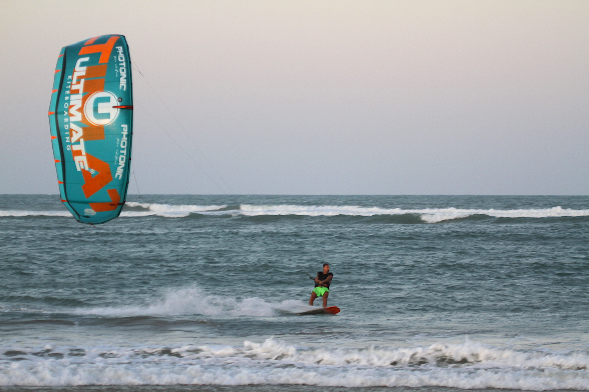 https://www.ultimate-kiteboarding.com/wp-content/uploads/2019/01/Photonic-V3-02.jpg